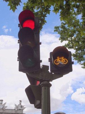 semaforo-ambar-ciclistas1251939350.jpg